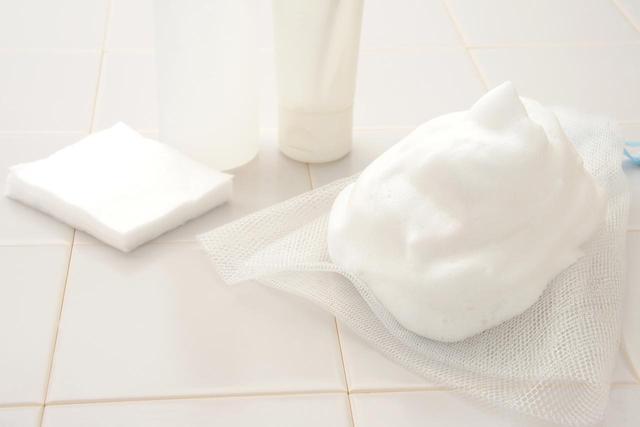 画像1: STEP1 サリチル酸の入っているコスメで洗う