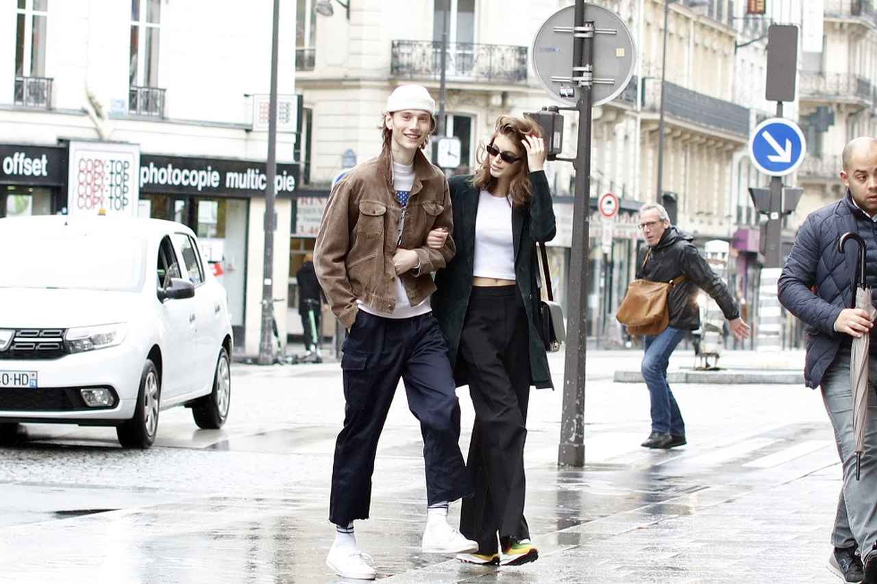 画像1: パリでのデートが絵になりすぎる