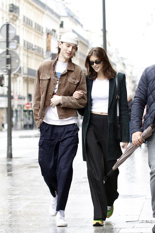 画像2: パリでのデートが絵になりすぎる