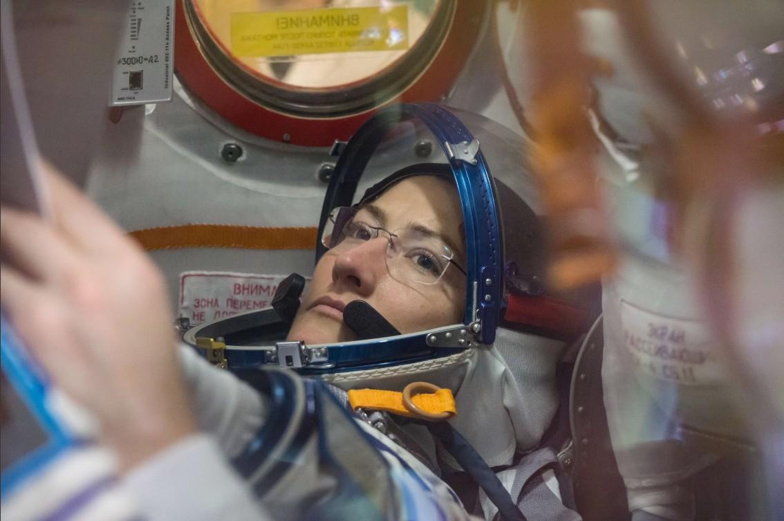 画像: クリスティーナ・コーク宇宙飛行士。 https://twitter.com/Astro_Christina/status/1103397473484238848