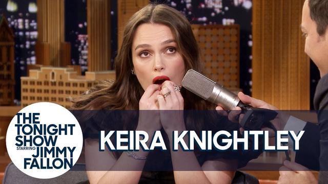 """画像: Keira Knightley Plays """"Despacito"""" on Her Teeth and Reveals a """"Love Actually"""" Secret www.youtube.com"""
