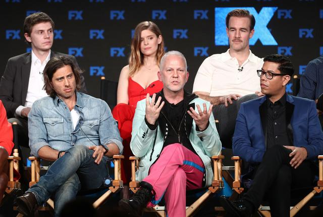 画像: 『POSE』でハリウッドの歴史を変えているライアン・マーフィー(中央)。