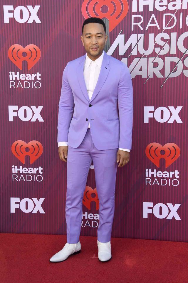 画像4: iHeartRadioアワードのレッドカーペットスタイルをお届け、人気セレブの衣装は?