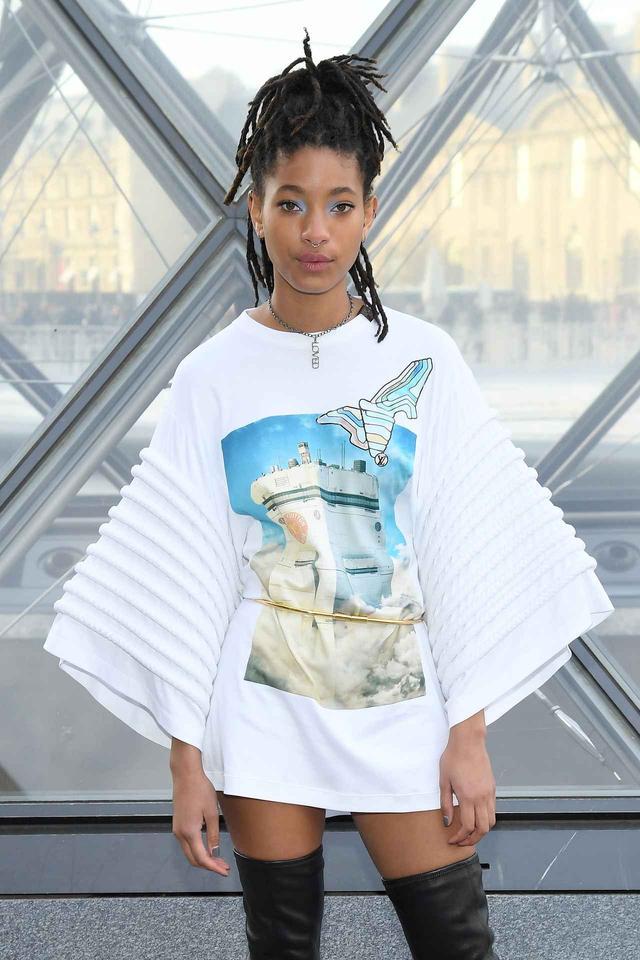 画像: ウィル・スミスの娘、「漢字Tシャツ」をクールに着こなす