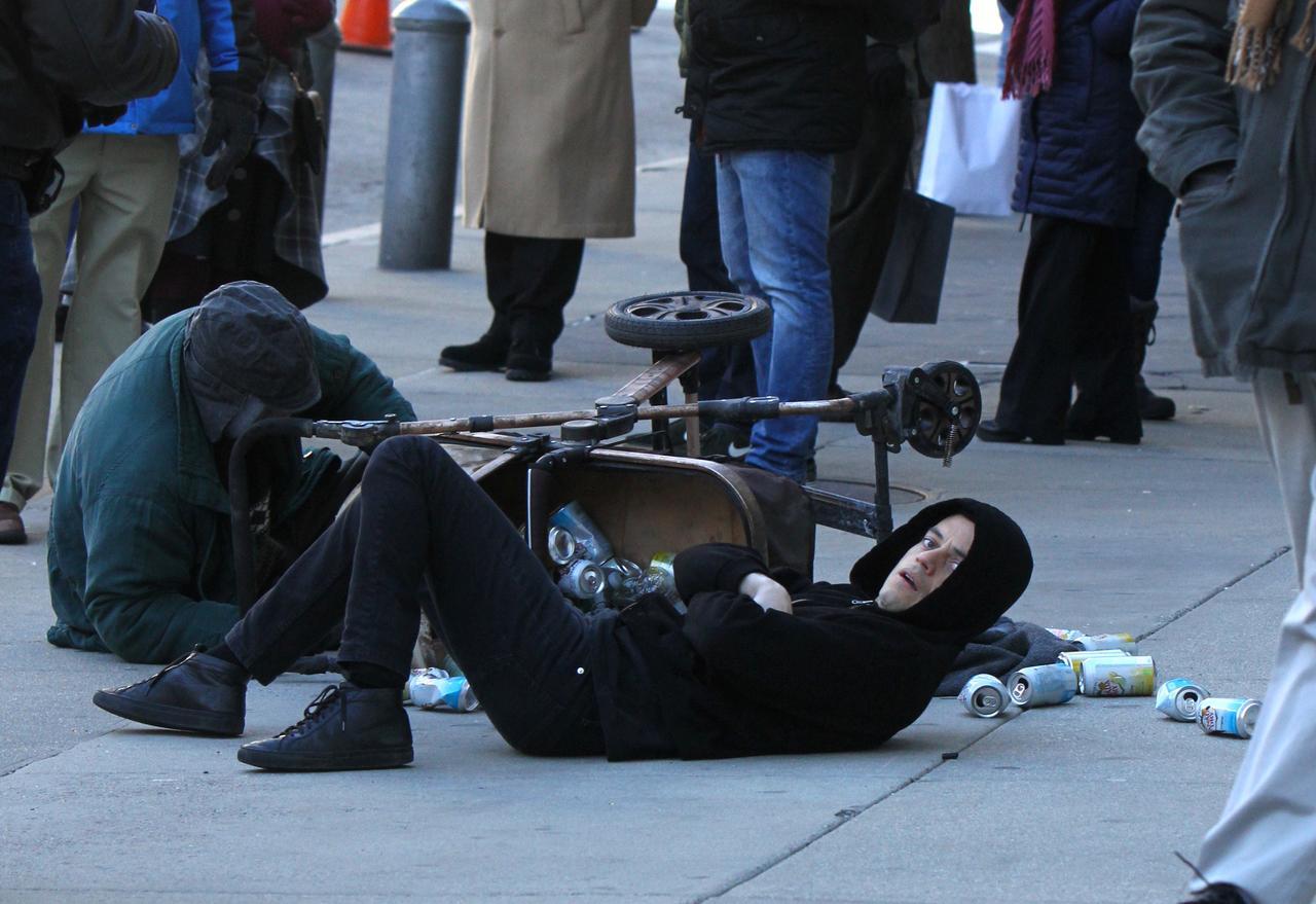 Images : 7番目の画像 - ラミ・マレック、ホームレスと衝突して全力逃走【写真アリ】 - フロントロウ -海外セレブ情報を発信