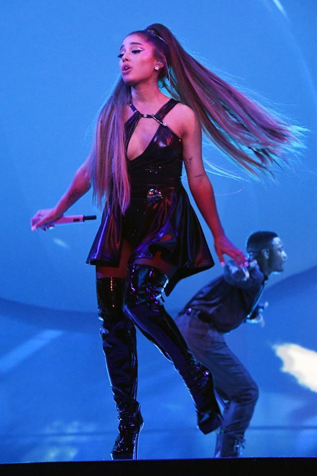 画像8: アリアナ・グランデ、世界ツアーで「七変化」!ステージ衣装ぜんぶ見せます