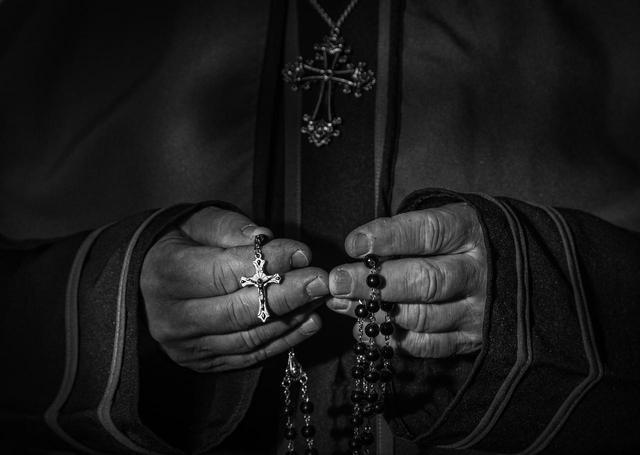 画像1: 信頼していた神父による性的虐待