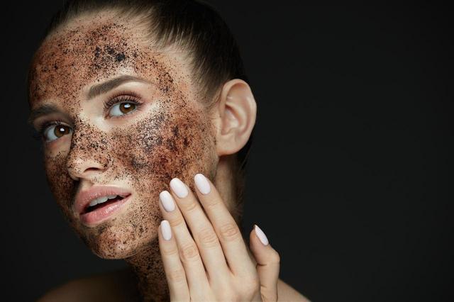 画像1: スクラブ洗顔の頻度に注意!
