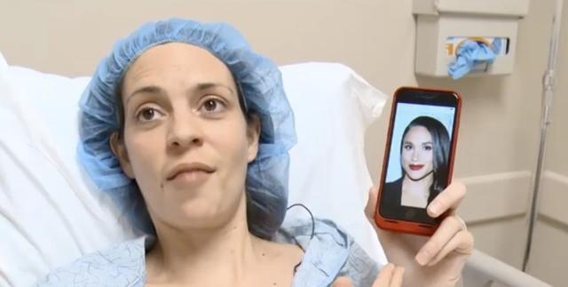 画像: メーガン妃の写真を片手に手術に備えるゾーチル©Abc Niteline / YouTube