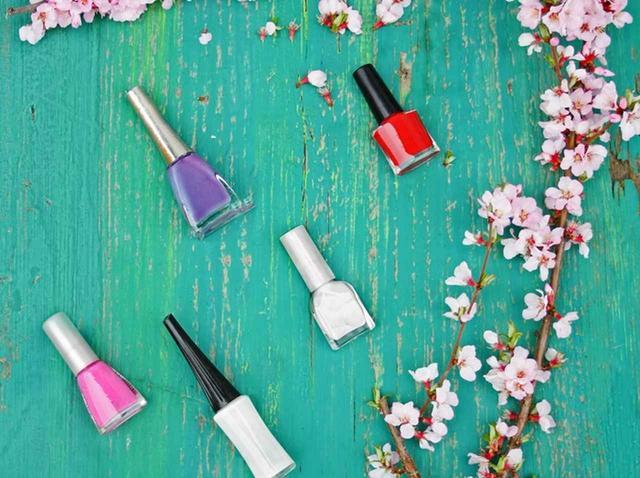 画像: 海外でも人気!お花見前にチェックしたい、桜のかわいいネイルデザイン集