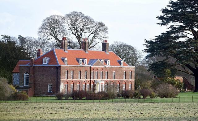画像: エリザベス女王からウィリアム王子夫妻にウェディング・ギフトとして贈られた別荘「アンマー・ホール」。