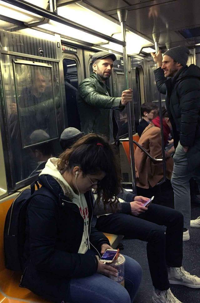 画像3: マーベル俳優が電車に乗っていたら…