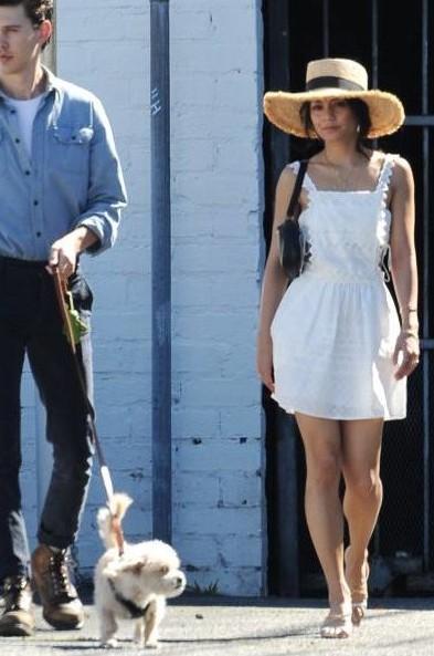 画像2: ヴァネッサ・ハジェンズの「エプロンワンピ」が可愛すぎる♡