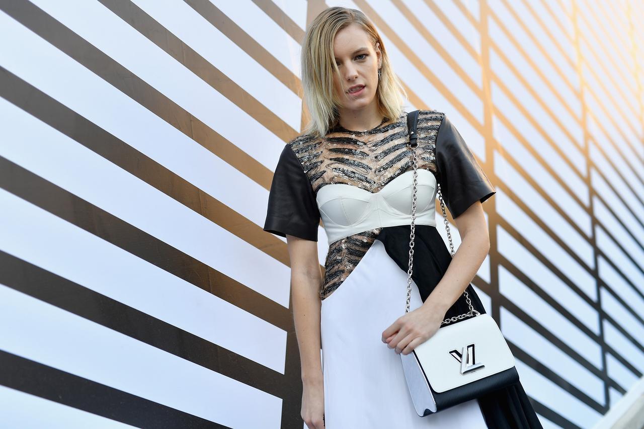 画像1: ジェンダーレスモデル、エリカ・リンダー