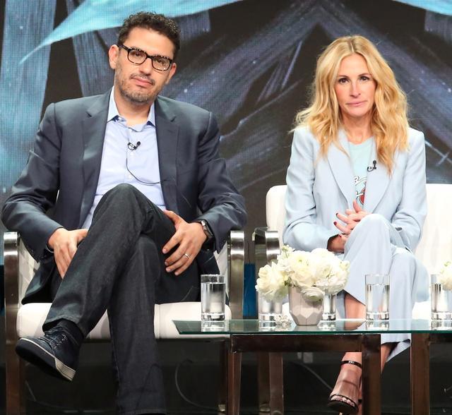 画像: 『ホームカミング』で監督兼製作総指揮を務めるサム・エスメイル(左)は、ヒットドラマ『MR. ROBOT/ミスター・ロボット』で知られる。