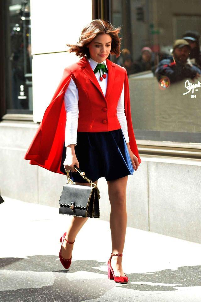 画像3: オシャレ新ドラマ『ケイティ・キーン』のファッションが早くも話題に!