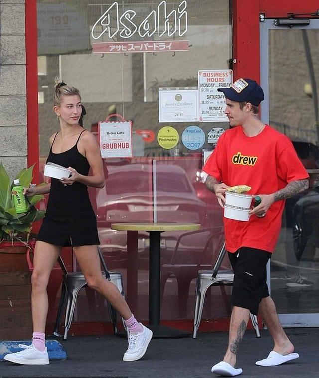 画像1: ジャスティン&ヘイリーが日本食デート