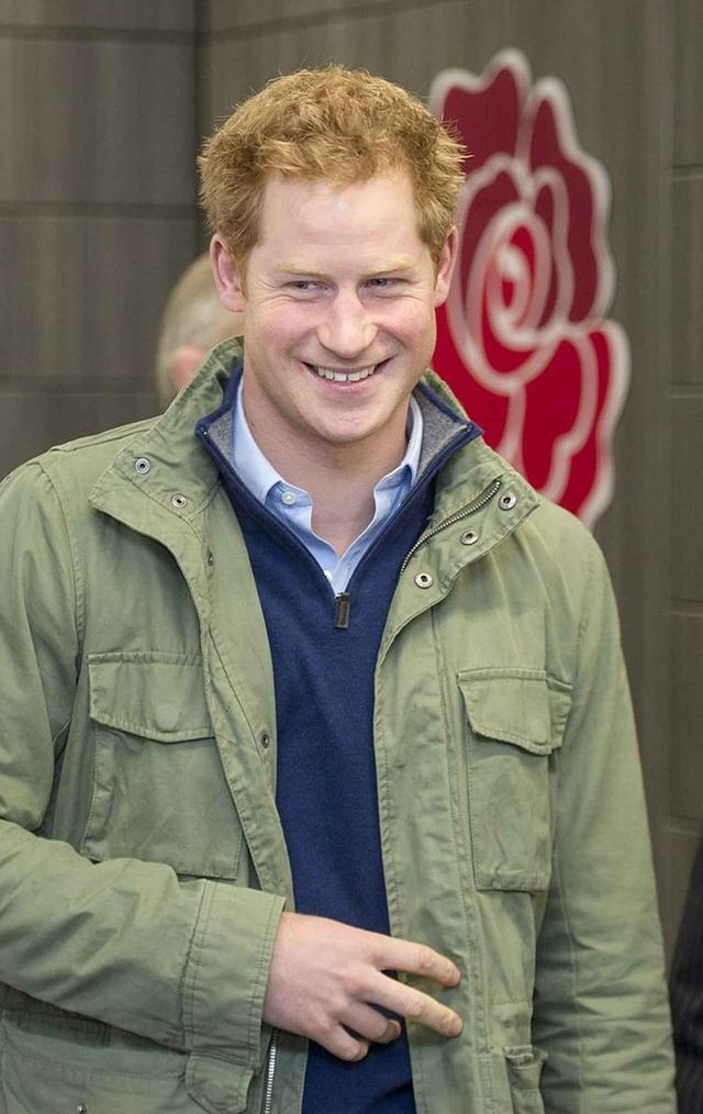 """画像2: マタニティルックのポイントは""""ヘンリー王子の服"""""""