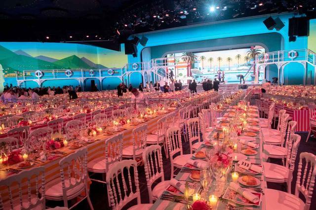 画像2: モナコ王室主催「ローズ・ボール」に本物のプリンセスやプリンスが大集合【内部写真】