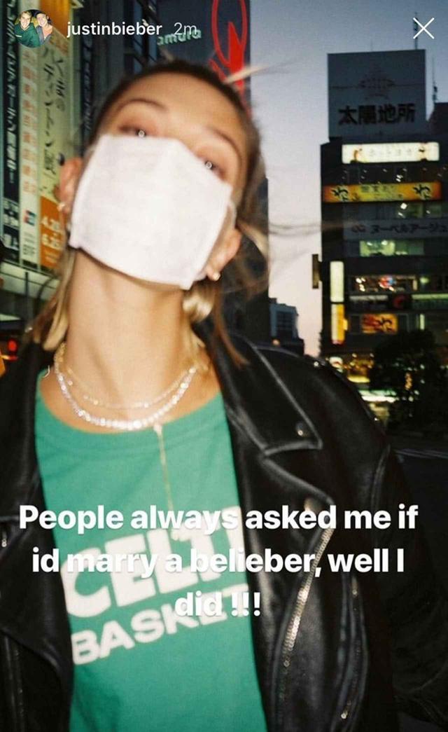 画像: ジャスティンのインスタグラムより。昨年、ヘイリーが初来日を果たした際に日本で撮影した写真を使って、彼女が「ビリーバー」であることを認めた。 ©Justin Bieber / instagram