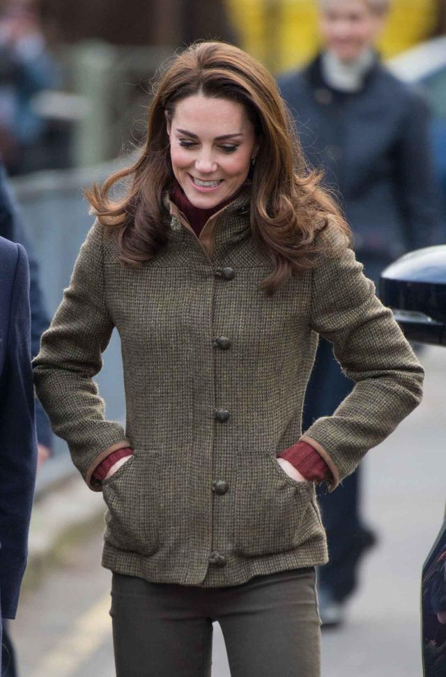 画像2: キャサリン妃愛用のセーターがセール中