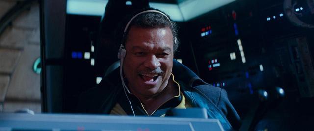 画像: チューバッカとともにミレニアム・ファルコンを操縦するビリー演じるランド。 www.youtube.com