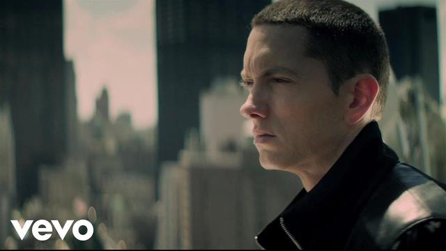 画像: Eminem - Not Afraid www.youtube.com
