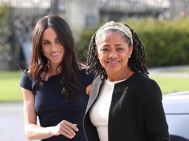 画像: メーガン妃とメーガン妃の母ドーリア・ラグランド。