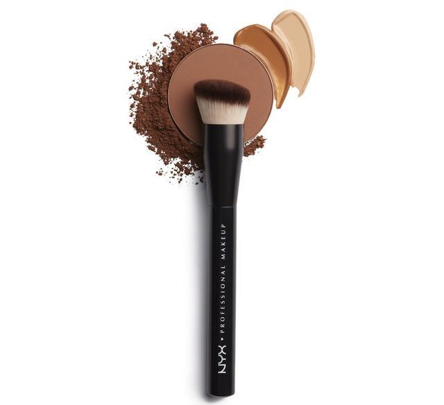 画像: NYX Professional Makeup キャントストップ ウォントストップ ファンデーション ブラシ 2,600円(税抜) ※メーカー小売希望価格