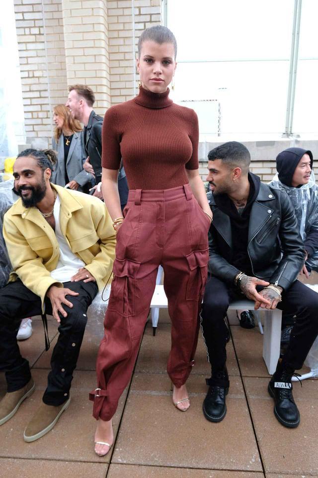 画像: 人気モデルのソフィア・リッチーが着用