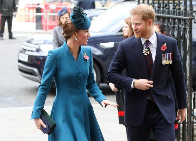 """画像1: ヘンリー王子がキャサリン妃の公務に""""サプライズ同伴"""""""