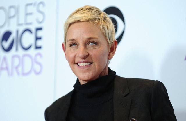 画像: 2008年にドラマ『スキャンダル』の女優ポーシャ・デ・ロッシと結婚した。
