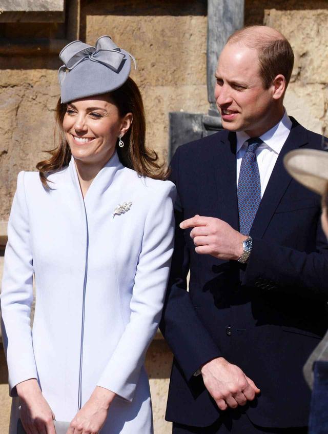 画像1: キャサリン妃の耳元に注目