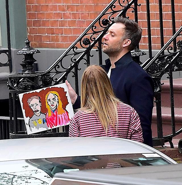 画像2: 有名画家に恋人との肖像画を描いてもらった「オスカー女優」は誰でしょう?