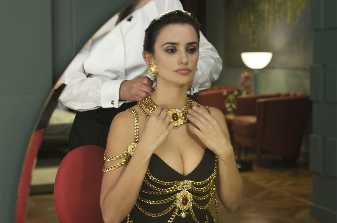 2c7a1fcb18c18 リリー・ローズ・デップ、『セーラームーン』のキャラとお揃いのドレスで ...