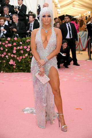 ジェニファー・ロペス:Versace