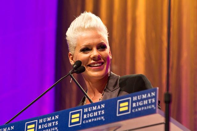 画像: Ally for Equalityの受賞スピーチでは、同性愛や同性婚が「つまらないほど当たり前なこと」になるべきだと力説した。©HRC