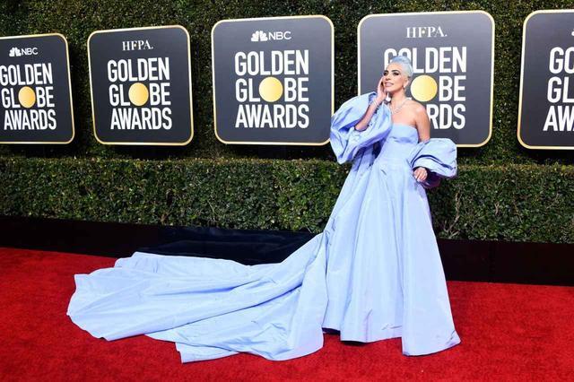 画像: 2019年のゴールデングローブ賞のレッドカーペットに登場したシンガーのレディー・ガガ。