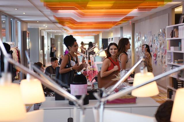 画像: 働く女性 が活躍するオフィスが舞台