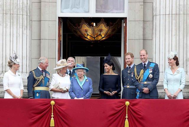 画像1: ウィリアム王子、後輩パパになったヘンリー王子を「睡眠不足の会」へ迎えいれる