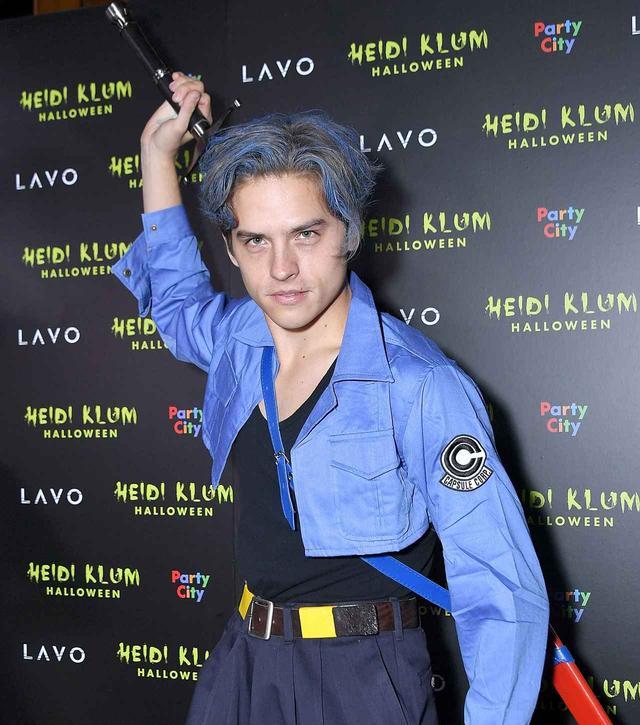 画像: ハリウッドで最も有名なハイディ・クルムのハロウィンパーティーにトランクスのコスプレで参戦。