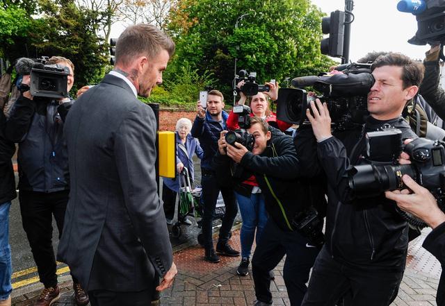 画像: 裁判所に到着したデビッド。