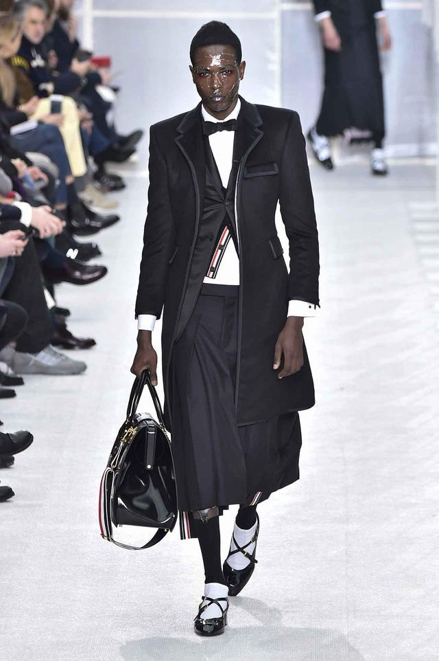 メットガラ、多くの人を魅了したジェンダーレスファッションが