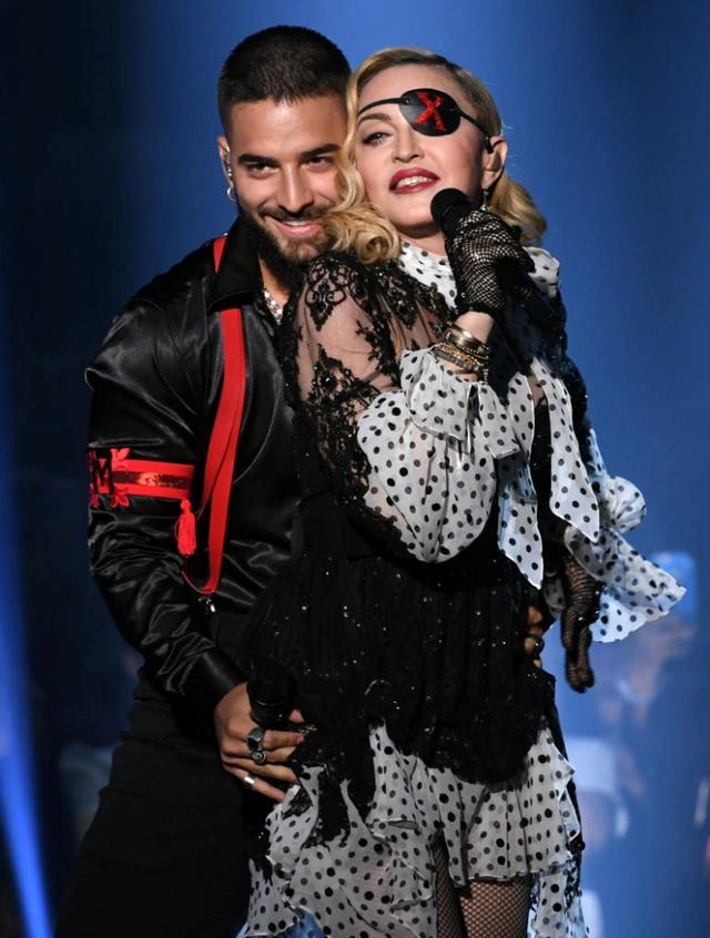 画像: 5月頭に行なわれたビルボード・ミュージック・アワードのステージではマドンナと濃厚な絡みを見せて話題に。