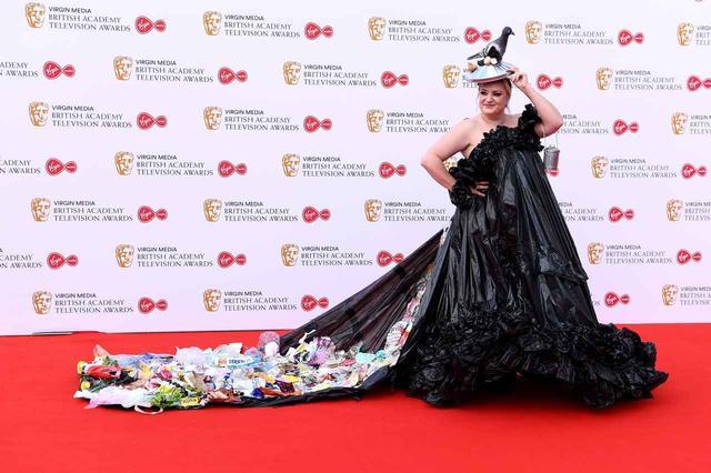 画像1: デイジーの真っ黒な700円ドレス