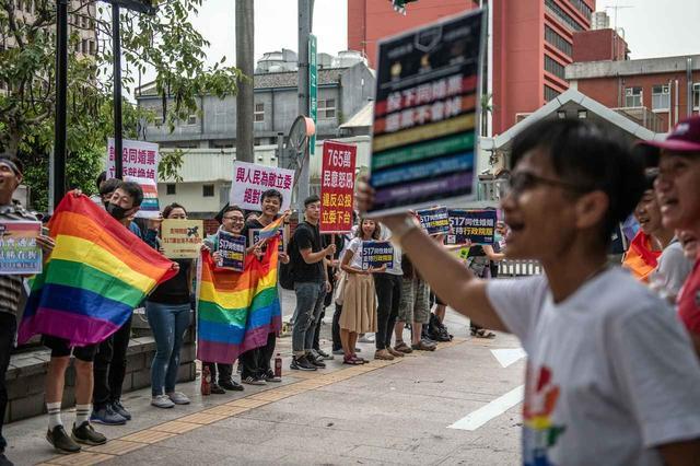 画像: アジア初の「同性婚合法化」