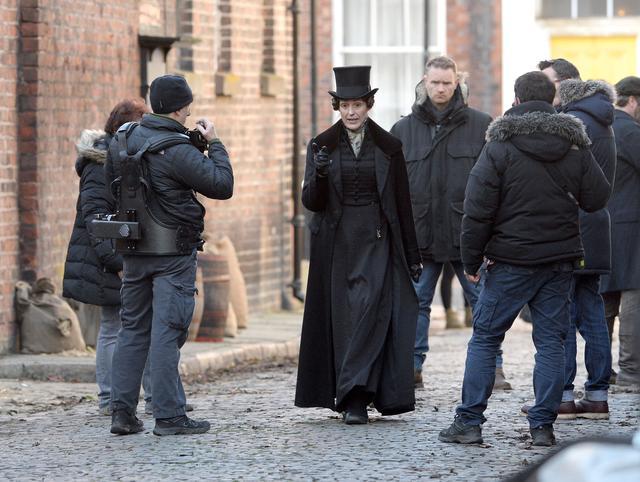 画像: ドラマ『Gentleman Jack』の撮影風景。