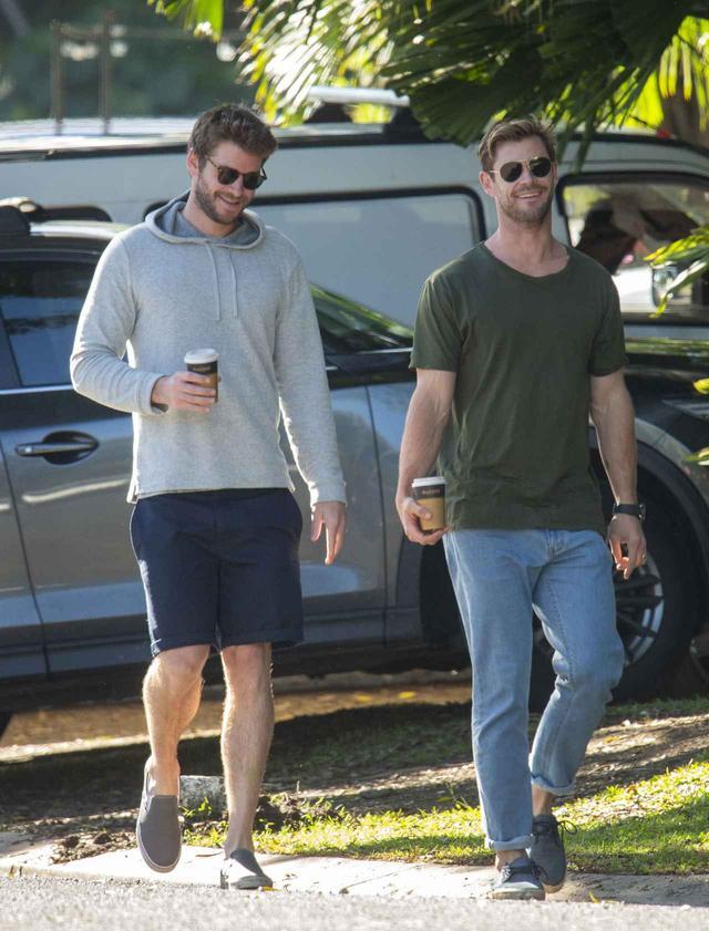 画像1: クリスとリアムが故郷で再会
