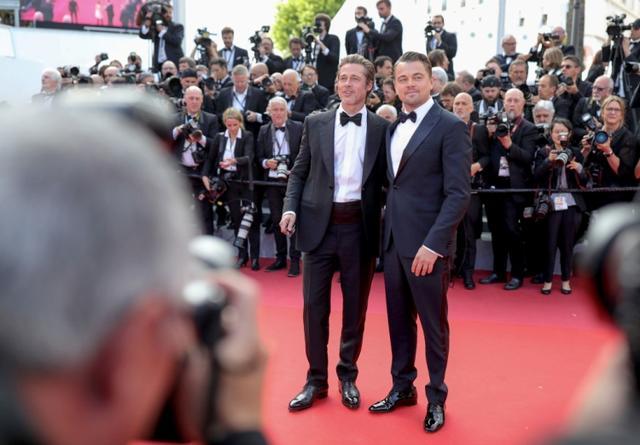 画像: レオナルドは共演者のブラッド・ピットやマーゴット・ロビー、監督のクエンティン・タランティーノらとレッドカーペットを歩いた。