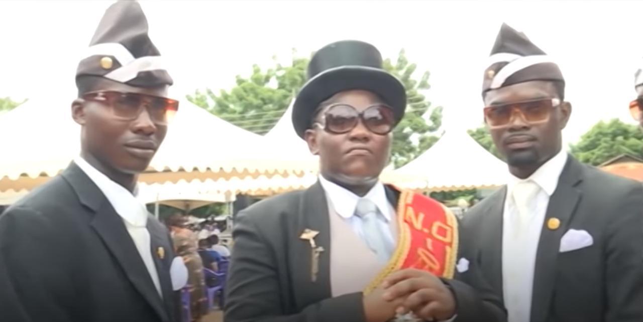 画像: 棺桶を背負って歌って踊る!ガーナのお葬式がスタイリッシュすぎる